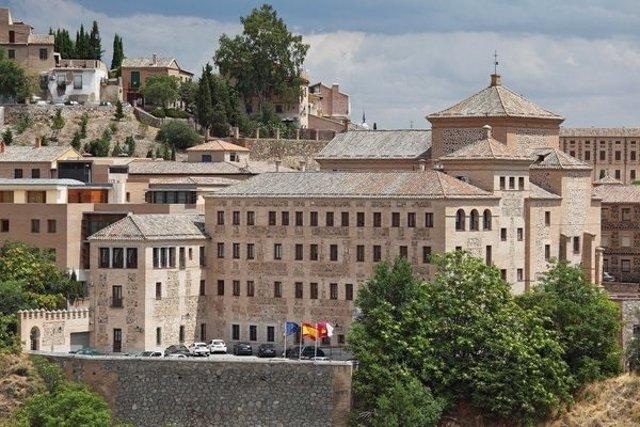 Edificio de las Cortes de Castilla-La Mancha