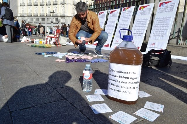 Acto conovocado en la Puerta del Sol por la Red de ONG de Desarrollo de Madrid