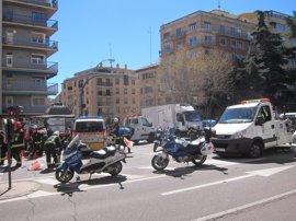 Una furgoneta embiste y vuelca a un vehículo de la Policía Local en Salamanca