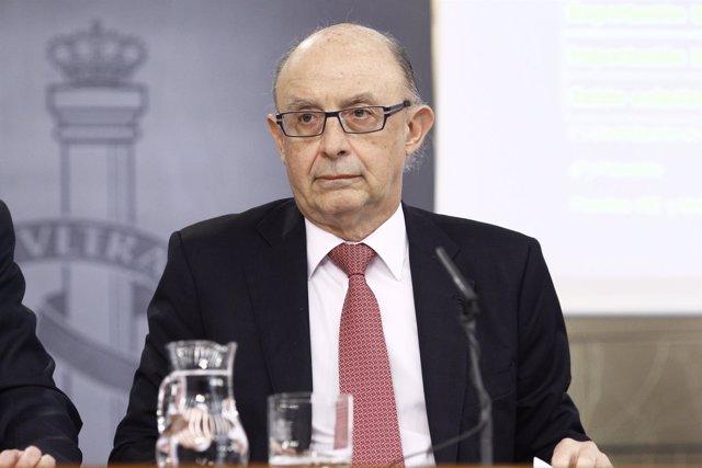 Cristóbal Montoro en la rueda de prensa tras el Consejo de Ministros