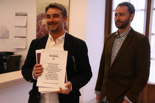 Juan Ignacio Moreno Yagüe presentando una ley de Podemos contra los desahucios