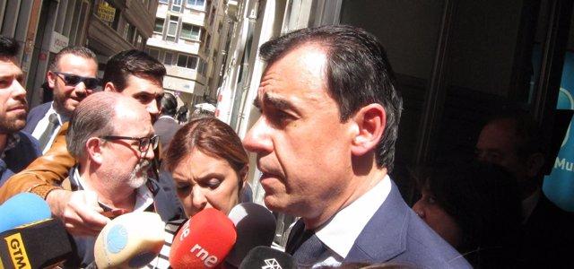 Fernando Martínez-Maillo a la salida del PP Murcia