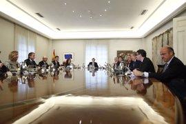 Rajoy se aplica la subida de funcionarios y ganará 65 euros más al mes