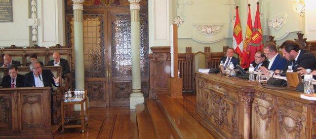 Martínez Bermejo debate con Saravia y Puente en el Pleno de Valladolid