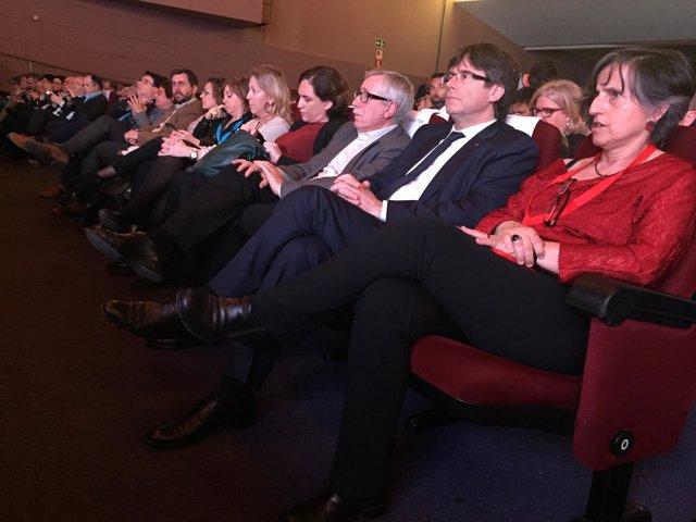 El presidente C.Puigdemont y miembros del Govern en el XI Congreso de CC.OO.