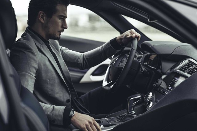 Conductor, vehículo