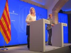 """El Govern mantiene """"intacto"""" su compromiso del referéndum tras la suspensión del TC"""