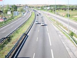 Fomento extenderá el tercer carril de la A-5 a Parque de Coimbra y continuará obras de AVE entre Atocha-Chamartín