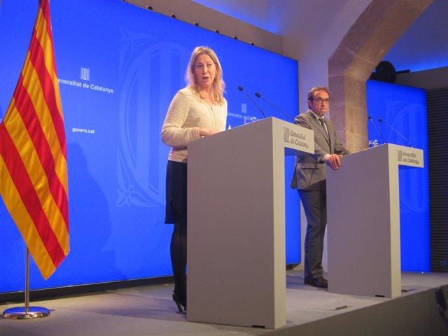 Los consellers Neus Munté y Josep Rull, en rueda de prensa del Consell Executiu