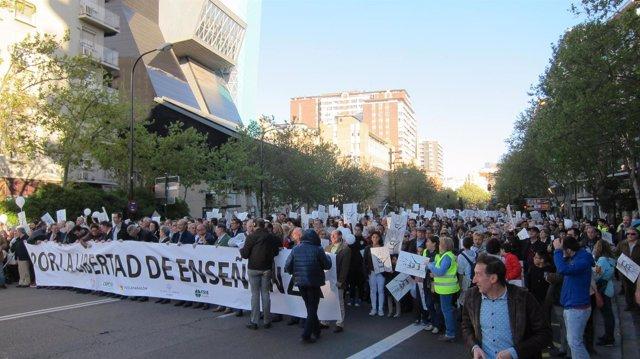 Manifestación de la escuela concertada en Zaragoza