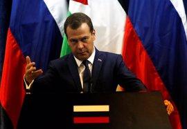 Medvedev rechaza las acusaciones de corrupción y dice que tienen motivaciones políticas
