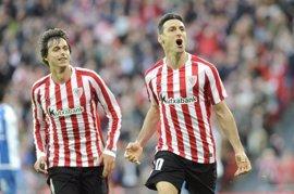 Aduriz mete de lleno al Athletic en la pelea por Europa a costa del Espanyol