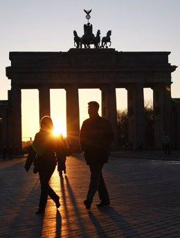 Puerta De Brandenburgo En Alemania