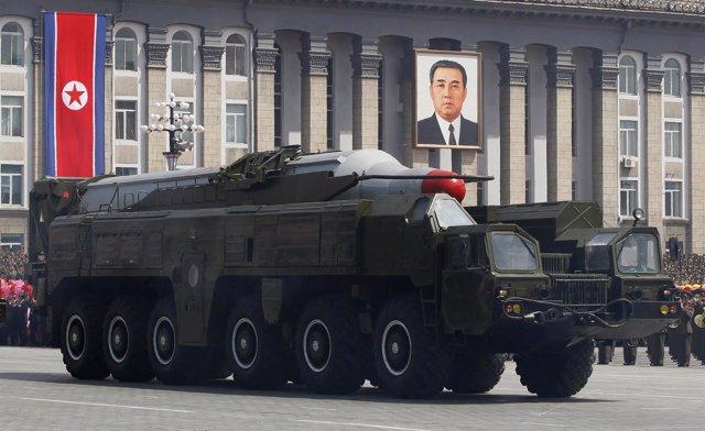Misil Balístico Norcoreano Exhibido En Las Calles De Pyongyang