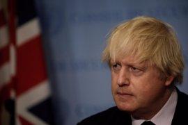 """Boris Johnson dice que """"todas las pruebas"""" apuntan a que el ataque químico en Idlib es obra del régimen sirio"""