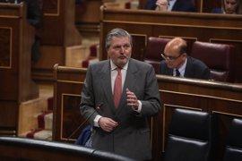 """El Gobierno ve """"resuelta"""" la crisis en Murcia tras la """"generosidad"""" de Sánchez: """"No hagamos de esto una gran hoguera"""""""