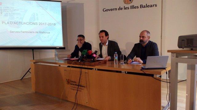 Marc Pons con el gerente de SFM y el director general de Movilidad