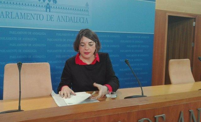 Elena Cortés, hoy ante los medios