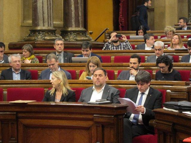 Neus Munté, Oriol Junqueras, Carles Puigdemont En El Pleno Del Parlament