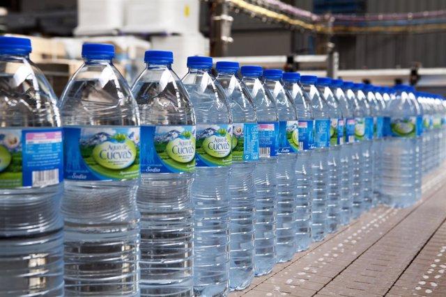 Botellas de Agua de Cuevas