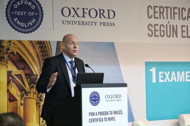 Simon Ferdinand,responsable de Evaluación Lingüística de Oxford University Press