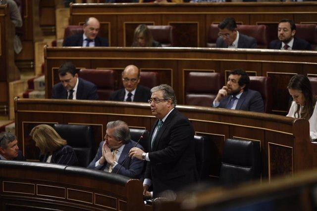 Méndez de Vigo y Zoido en la sesión de control al Gobierno en el Congreso
