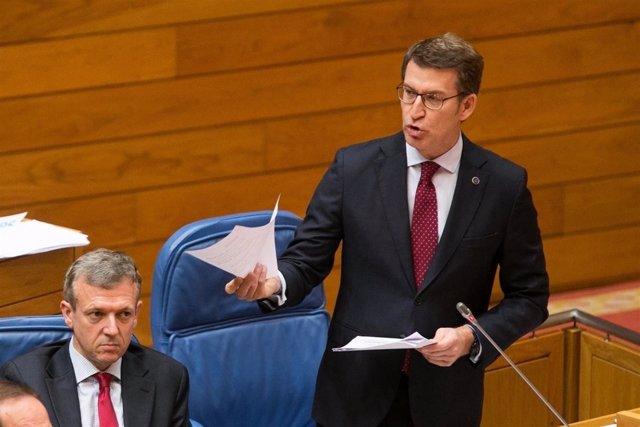 El presidente, Alberto Núñez Feijóo, en el pleno del Parlamento de Galicia