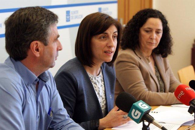 A Conselleira Do Medio Rural, Ángeles Vázquez, Acompañada Pola Directora Xera
