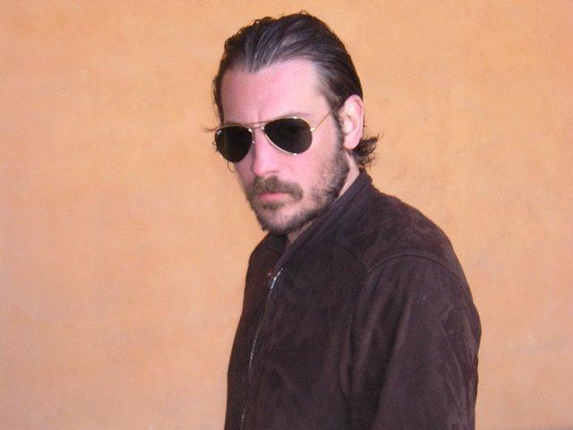 El escritor, Ray Lóriga