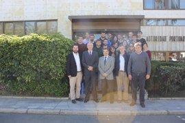 Estudiantes de Ingeniería de Caminos de Madrid conocen actuaciones geotécnicas en el puerto de Huelva