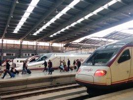Renfe refuerza 44 trenes AVE entre Málaga y Madrid y ofrecerá servicio ininterrumpido en Semana Santa