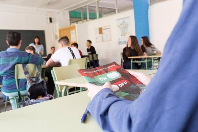 Progama IN OFF para uso responsable de las TIC por los jóvenes
