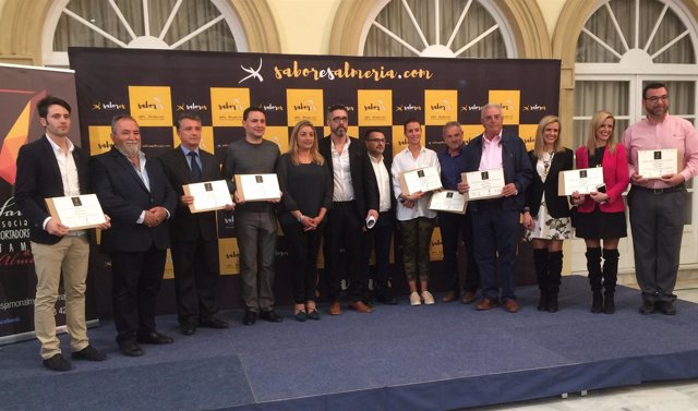 Las empresas colaboradoras y la Diputación, socios de honor de '7 Sabores'.