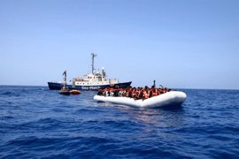 Rescatados unos 700 migrantes en el Mediterráneo cerca de la costa libia
