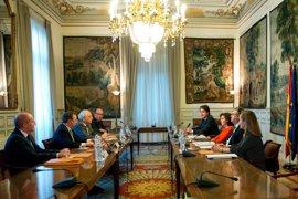 Interior reforzará las plantillas de Policía Nacional y Guardia Civil ante la presión migratoria en Ceuta y Melilla