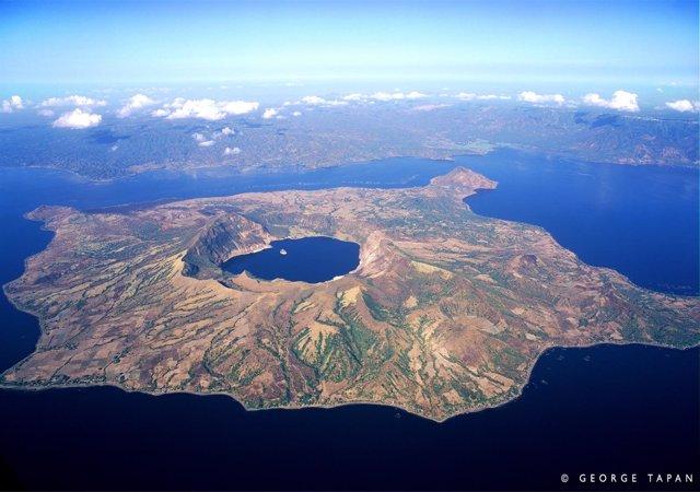 Nota De Prensa Y Fotografía: Involcan Expedición Volcán Taal