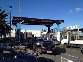 Colas en accesos a Gibraltar por la implantación del nuevo código de fronteras Schengen