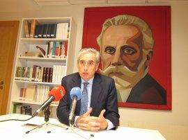 Jáuregui dice que hubiera preferido que el PP estuviera presente en la declaración por el desarme de ETA