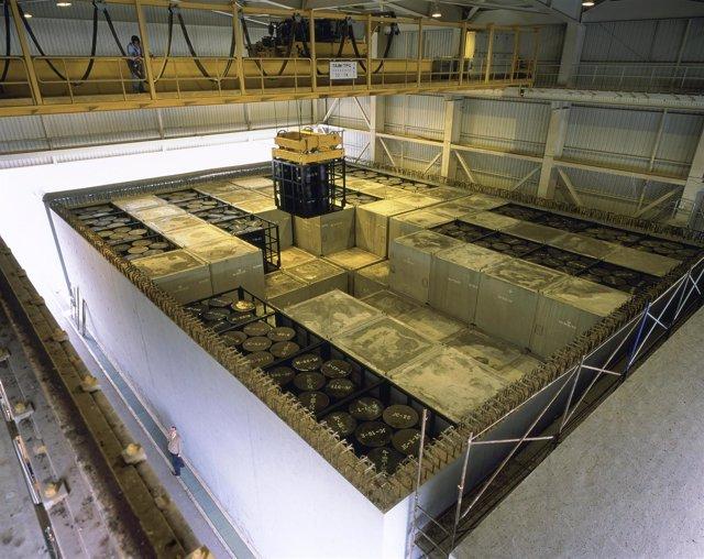 Interior De Una Celda De Almacenamiento En El Cabril