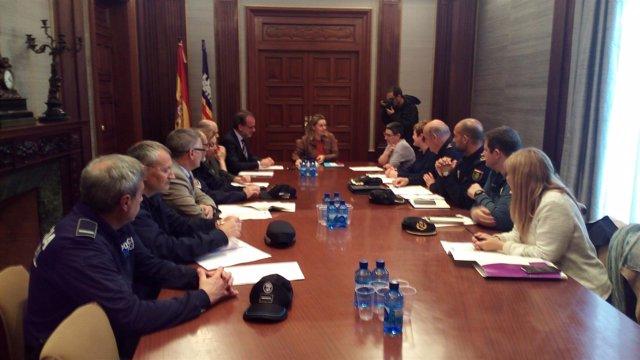 Reunión en la Delegación del Gobierno con el IbDona