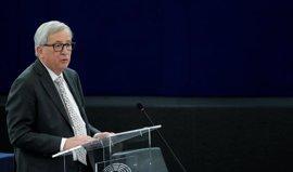 """Juncker afea a Orban su iniciativa para """"parar a Bruselas"""" tras firmar la declaración de Roma"""