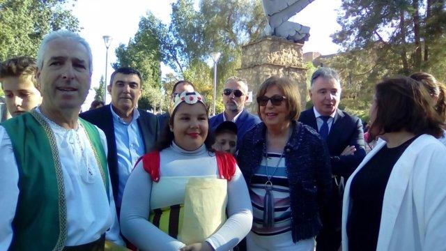 La consejera de Educación, Adelaida de la Calle, en Niebla.