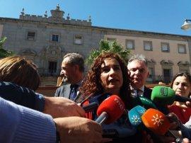 """Montero lamenta que Hernando (PP) """"desprecie"""" a Andalucía y """"mienta"""" porque """"no son 1.000 millones más sino 460"""""""