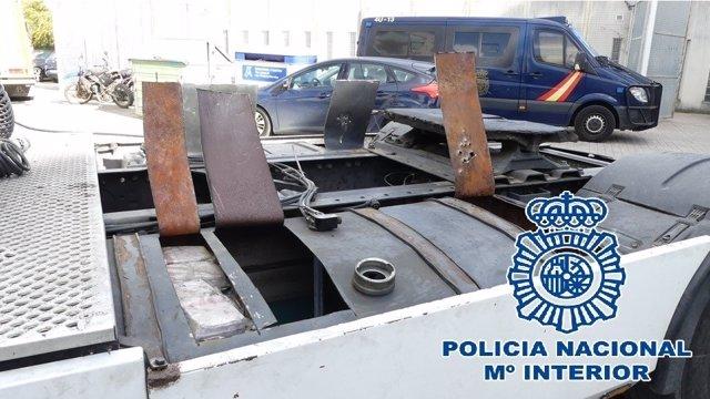 Interceptados en Algeciras 380 kilos de hachís ocultos en un camión