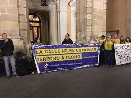 """Apdha lamenta la """"incapacidad"""" de los recursos sociales del Consistorio de Sevilla para atender a las personas sin hogar"""