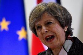 May ataca a los laboristas en su primer acto de campaña para las elecciones locales en Reino Unido