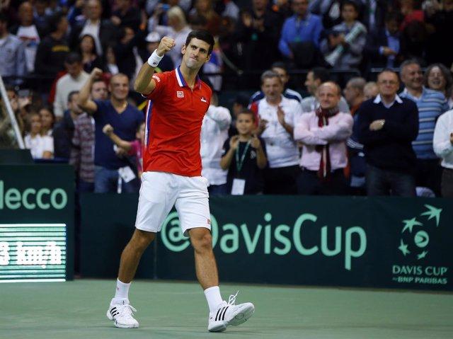 Djokovic suma el primer punto de la final de la Copa Davis