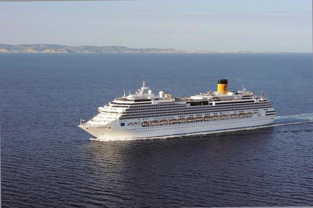 Barco de Costa Cruceros