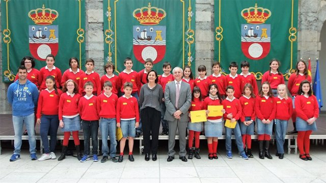 Pleno infantil en el Parlamento