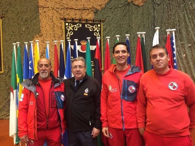 Zoido durante su visita en Torrelavega para asistir a un ejercicio de la UME